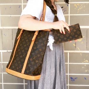 ✨♥️ GORGEOUS 2 Pcs♥️✨LV bucket GM with Wallet